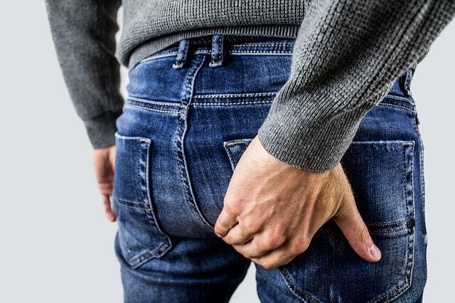 moški imajo težave z hemeroidi