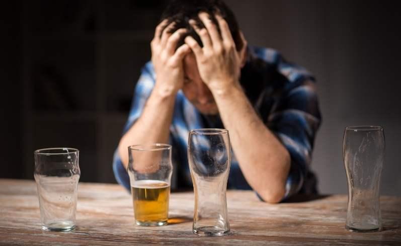pitje-alkohola-in-uživanje-cbd-kapljic